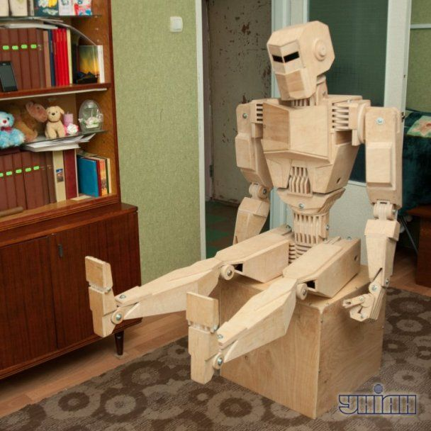 Робот из дерева своими руками фото