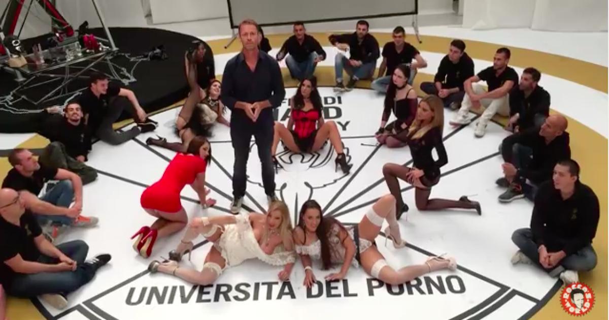 porno-v-universitet-video