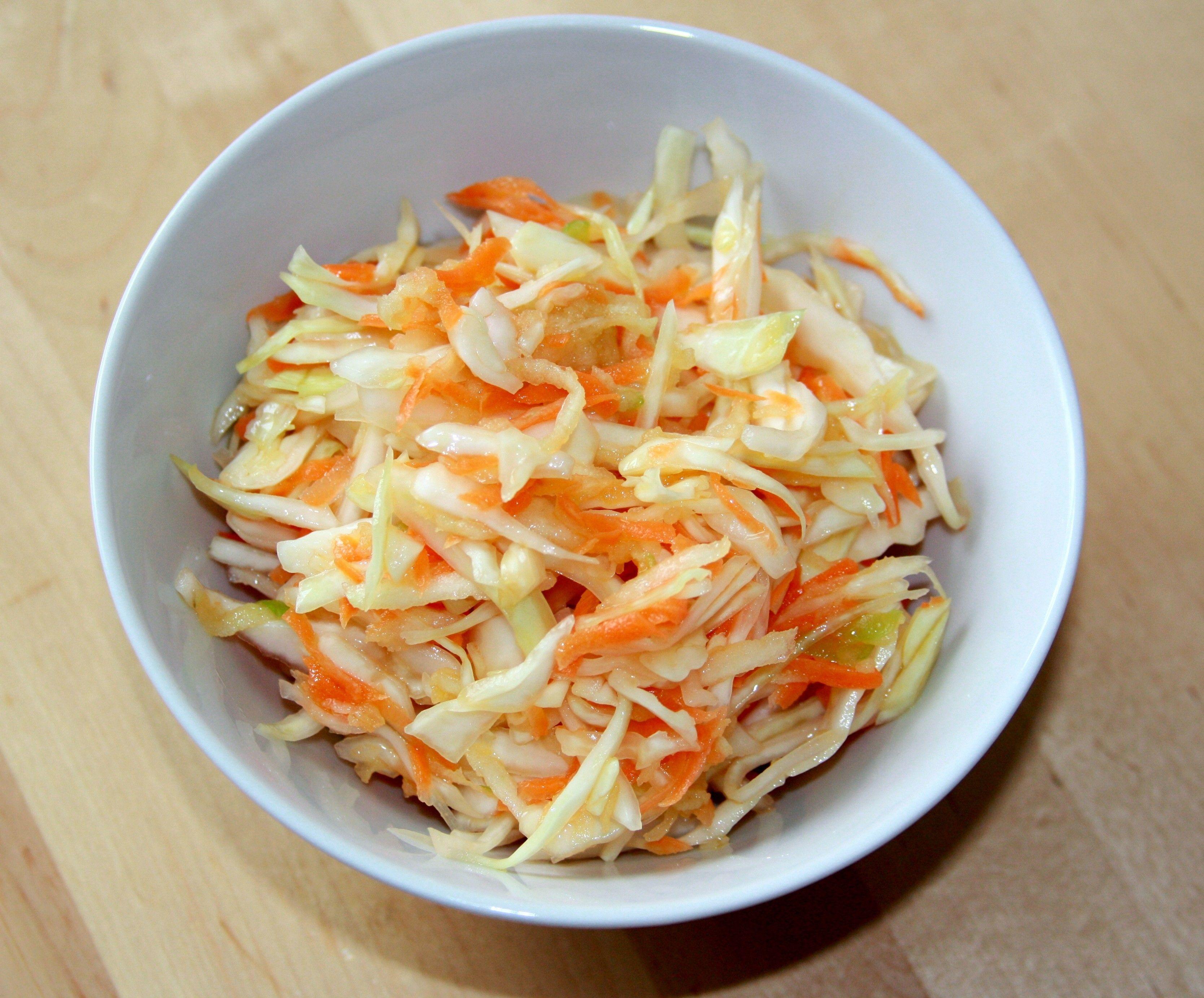 Как сделать вкусный салат из капусты вкусно быстро просто