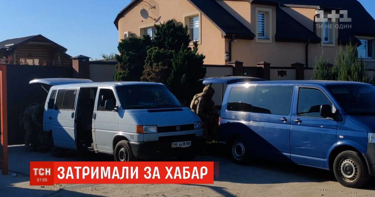 Поймали на взятке: детективы НАБУ задержали губернатора и его помощника