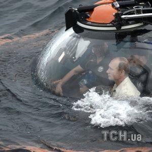Украинский дипломат остро протроллил подводное погружение Путина