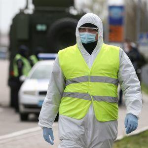 """Вакцинация заробитчан в Польше и намерение США задержать """"Северный поток-2"""". Пять новостей, которые вы могли проспать"""