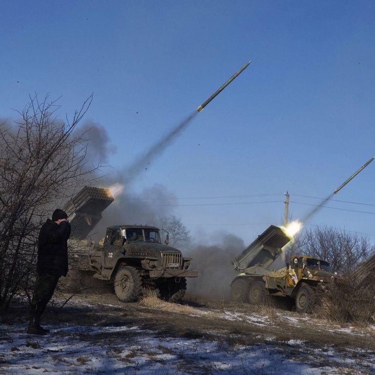 Российские инструкторы проводят обучение боевиков на Донбассе