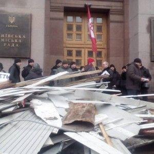 Власники МАФів завалили КМДА сміттям зі своїх зруйнованих кіосків