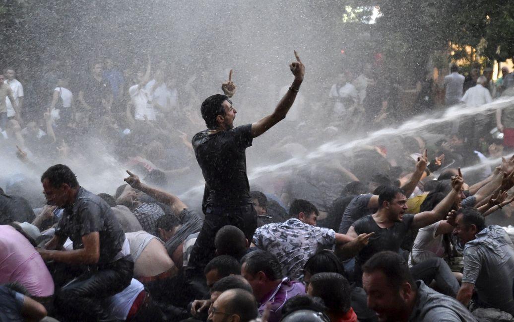 В центре Еревана разогнали акцию протеста / © Reuters