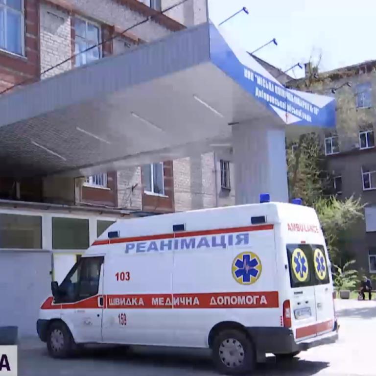 Напал возле железнодорожного вокзала: судимый за убийство россиянин на Волыни порезал полицейского