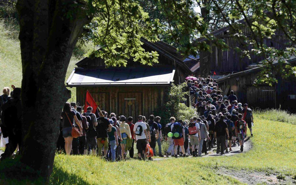 Люди митингуют против саммита / © Reuters
