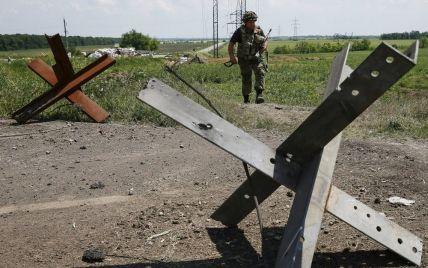 Ночью боевики дважды пытались прорвать позиции силовиков под Марьинкой