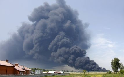Аваков сообщил последние новости с места пожара на нефтебазе под Васильковом