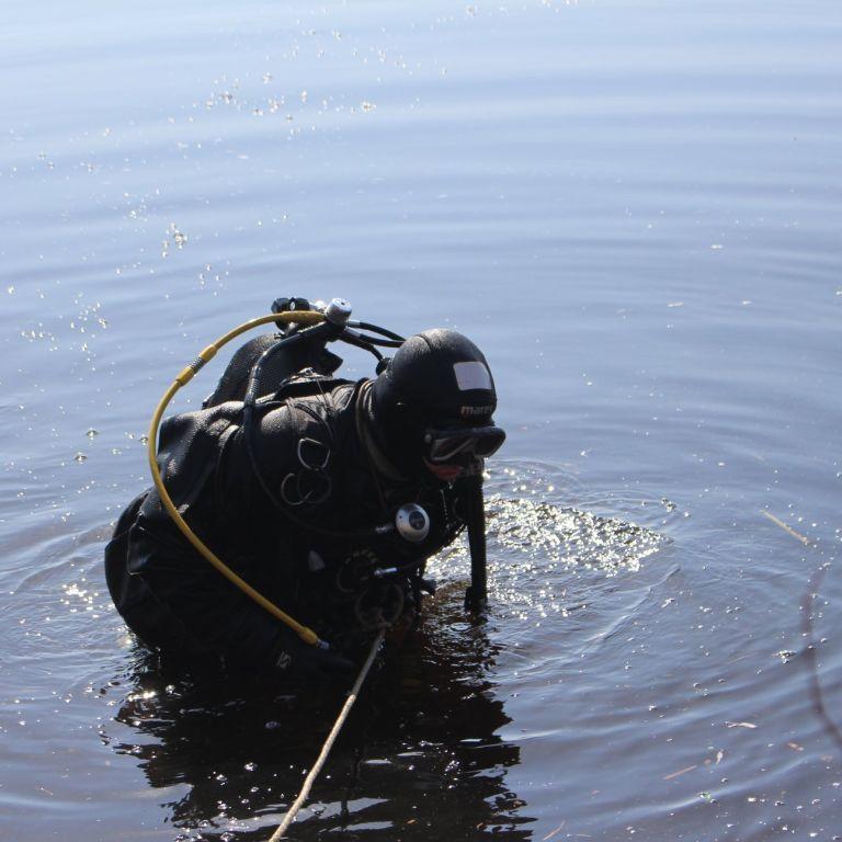 Не смог переплыть на другой берег: в Киеве в реке утонул мужчина