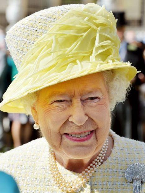 Королева Елизавета II на мероприятии в Букингемском дворце / © Reuters