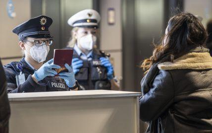 Заборона на кінотеатри та ресторани: невакцинованим у Німеччині загрожують нові обмеження