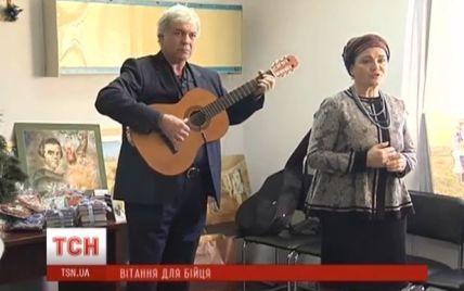 Поранених бійців АТО у столичному шпиталі привітали зірки українського театру