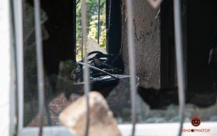 У центрі Дніпра пролунав вибух в житловому будинку: загинуло двоє людей (фото)