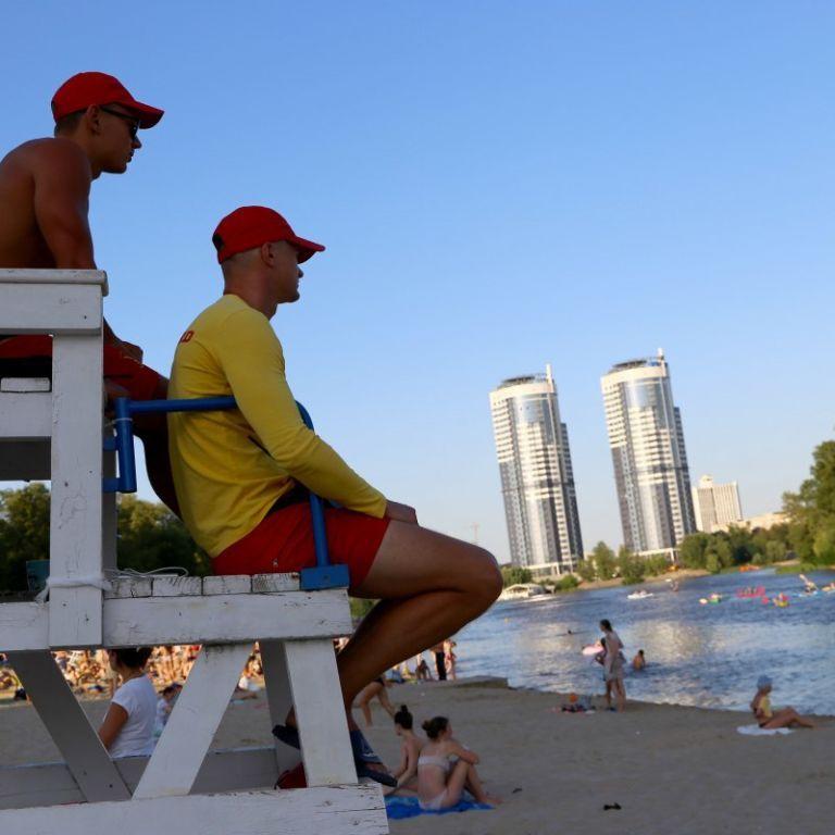 В Киеве из 14 пляжей грязно только на двух (видео)
