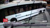 Новини світу: аргентинський велосипедист вибрався з-під автобуса, який його збив