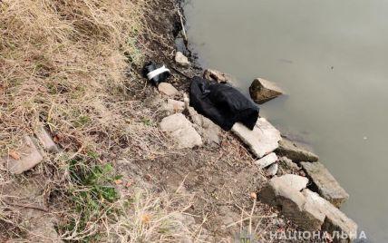Вдарила каменем по голові, а тіло кинула в канал: на Одещині жінка вбила знайомого