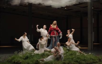 """Ані Лорак вперше за сім років випустила українськомовну пісню """"Бачила"""""""