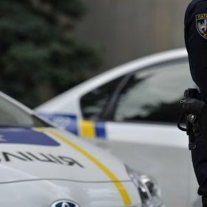 У Луцьку жінка перерізала собі вени, патрульні зняли на відео, як рятували самогубцю