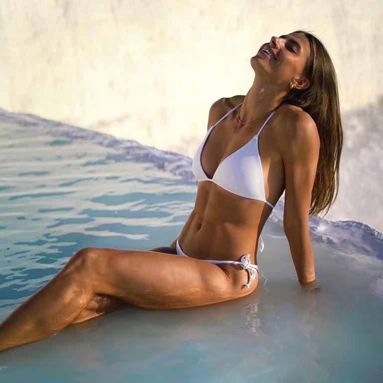 """""""Лучше, чем Венера"""": украинская легкоатлетка-красавица похвасталась идеальной фигурой в купальнике"""
