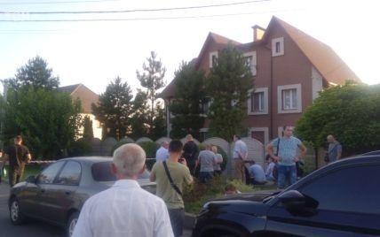 Был неконфликтный, всегда здоровался: соседка погибшего мэра Кривого Рога рассказала подробности трагедии