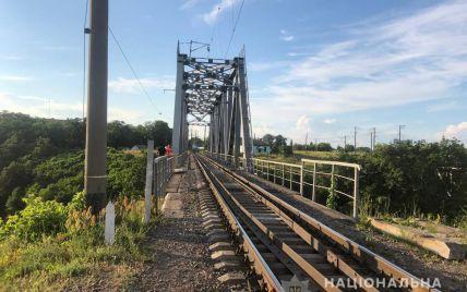 В Житомирской области подросток получил удар током и упал с высоты