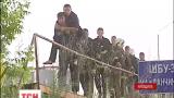 Съемочные группы ТСН уже почти сутки следят за событиями в Василькове