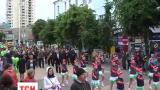В Хмельницком прошел необычный парад - колонна близнецов