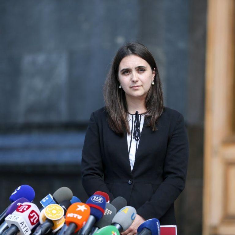 """В Офисе президента отреагировали на высказывание Мендель об """"украинском"""" русском языке"""
