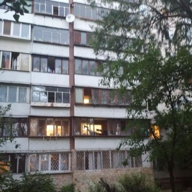 У Кривому Розі серед ночі школяр випав з вікна 8 поверху
