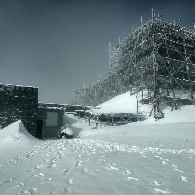 В Карпатах не прекращается зима: за ночь выпало около 20 см снега