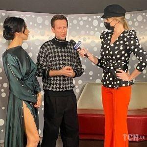 В гороховой блузке и брюках с разрезами: Катя Осадчая на предпремьерном показе украинского комедии