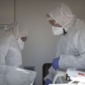 В Луцке у умершего врача-гинеколога подтвердили коронавирус