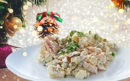 """Оливье, """"Шуба"""", запеченное мясо, деликатесы: насколько подорожал новогодний стол за год"""