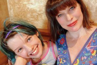 Мілла Йовович показала, як відсвяткувала 13-річчя дочки