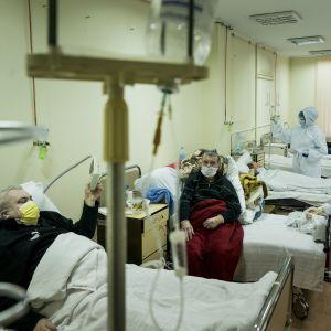 Вспышка коронавируса на Прикарпатье: в медучреждениях заканчивается кислород
