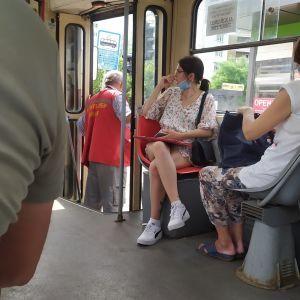 В Киеве водитель трамвая потерял сознание во время движения из-за адской жары: фото