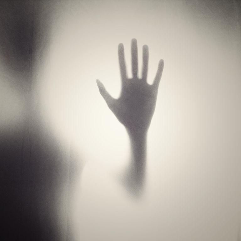 Спрятала тело в чемодане и оставила на окраине города: в Черновцах осудили горе-мать за смерть ребенка
