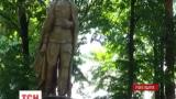 На Ровенщине упал памятник Феликсу Дзержинскому