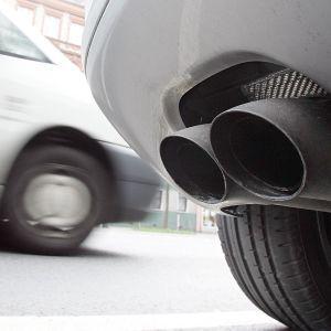 Один из украинских городов намерен запретить ввоз новых и подержанных автомобилей с ДВС