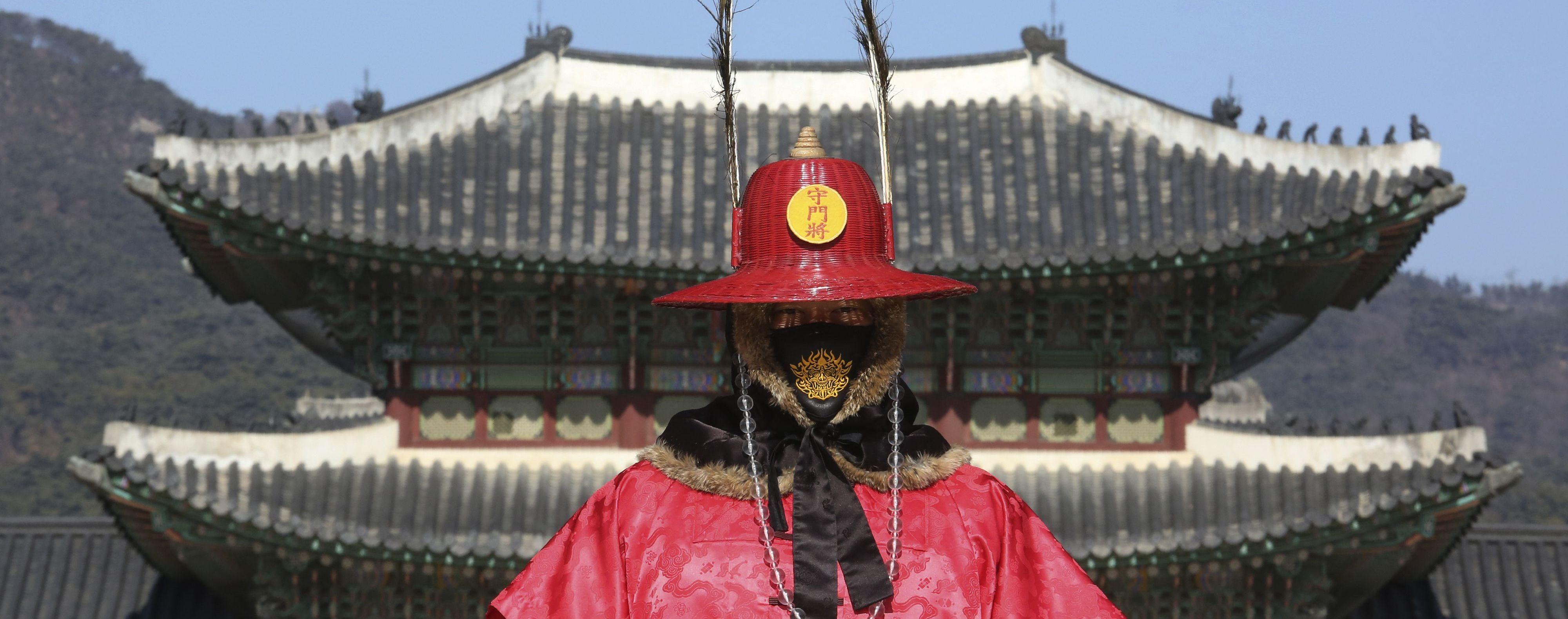 Понад 85 тисяч випадків: у Китаї розповіли про ситуацію з коронавірусом