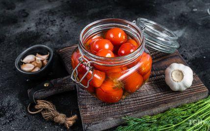 Малосольні помідори: рецепт від Андрія Величка