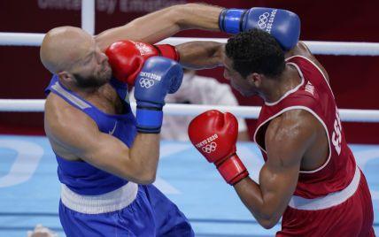 Один из фаворитов боксерского турнира Олимпиады-2020 с треском провалился: был нокаутирован во 2-м раунде (видео)