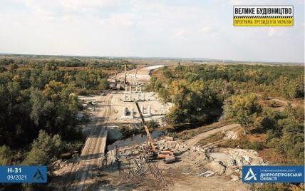 По программе Зеленского на новой трассе Днепр-Решетиловка строят уникальную для Украины эстакаду