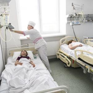 Масове отруєння у ресторанах Харкова: кількість хворих зросла до 57 осіб