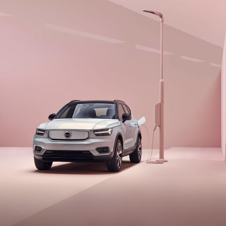 В Украине стартовали продажи первого электрокара Volvo: названа стоимость