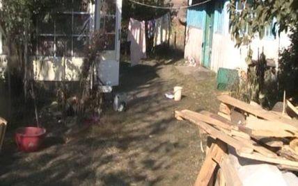 На Киевщине задержали мужчин, которые ради 200 гривен зверски убили семью пенсионеров
