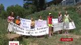 На Херсонщине жители поселка Антоновка снесли забор зажиточного соседа