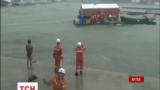 В Китае эвакуировали более 40 тысяч человек из-за мощного тайфуна