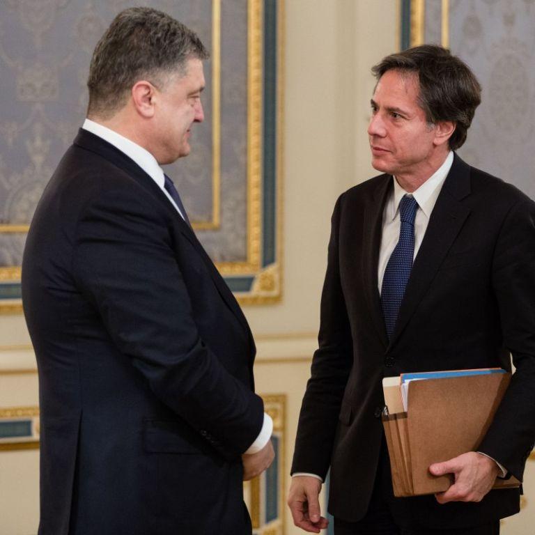 Порошенко спіймали на брехні: він видав зустріч голів фракцій із Блінкеном за двосторонні переговори